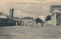 I75 - 83 - SAINT-MANDRIER - Var - Débarquement Des Malades - Saint-Mandrier-sur-Mer