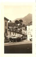 SUISSE -TESSIN  - Bellinzona  - Place De L'Indépendance - Dominée Par Le Château Montebello ( Photo: Format 11.5 X 7.5 ) - Places