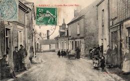Saunay  37   La Grande-Rue  ( Coté-est ) Tres Tres Animée Et Epicerie-Tabac-dechirure 2cm Coté Droit Pas Tres Visible - France