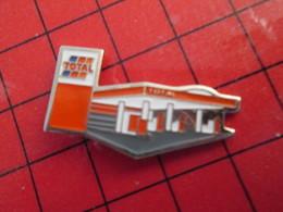 115e Pin's Pins / Rare Et De Belle Qualité / THEME CARBURANTS : TOTAL STATION SERVICE Pas Les Moins Cheres Du Monde !!! - Kraftstoffe