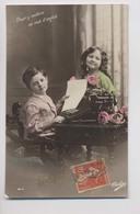 MACHINE A ÉCRIRE - Beaux Enfants - Colorisée - Animée - Typewriter - Children And Family Groups