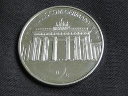 Joile Médaille Allemande -NUMISCOM GERMANY    **** EN ACHAT IMMEDIAT **** - Professionnels/De Société