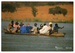 CPM    NIGER      SUR LE FLEUVE NIGER EN ROUTE POUR LE MARCHE     PIROGUE - Niger