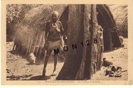 NOUVELLES HEBRIDES -VANUATU - UN VILLAGE D'AMBRYM - Vanuatu