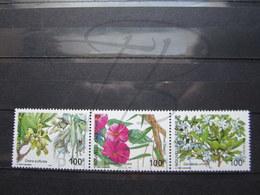 VEND BEAUX TIMBRES DE NOUVELLE-CALEDONIE N° 919 - 921 , XX !!! (b) - Nueva Caledonia