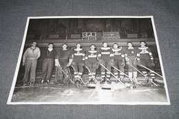 Ancienne Photo Originale Hockey Sur Glace,C.P.B. WildCats,photo Pierre Baguet,Ypres-Poperinge,24 Cm. / 18 Cm. - Sports