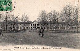10117. CPA 32 AUCH. QUARTIER DE CAVALERIE (9è CHASSEURS) VUE INTERIEURE 1908 TAXEE - Auch