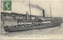 14. TROUVILLE.  L AUGUSTIN NORMAND  ARRIVANT A TROUVILLE - Trouville