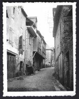France,Rue Typique à Donzenac ( Corréze) Photo Véritable  Situé Année 1940 - Plaatsen