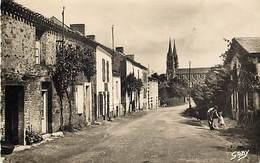 - Vendée -ref-E650- Les Essarts - Quartier Saint Michel - Edition Gaby - N° 6 - Carte Bon Etat - - Les Essarts