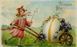 JOYEUSES PAQUES - Fillette Tirant Une Brouette Avec Un Oeuf - Dos Simple - Carte Gaufrée - Easter