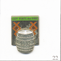 Pin's Alimentaire - Boisson / 132è Vente De Vins à Beaune 1992 (21) - Version Chromée. Est A. Bertrand Paris. T662-22 - Boissons