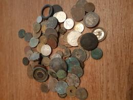 Lot D'environ 70 Monnaies De Détection - Monnaies