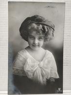 Portrait. Grete Reinwald. - Portraits