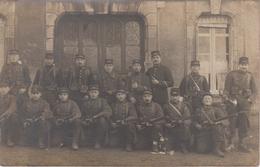 CP Photo Groupe De Soldats Du 148 Régiment D'Infanterie - Au Verso Campagne 1914 - 1915 (très Belle Scène) - Guerre 1914-18