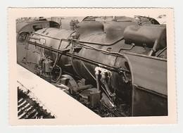 Photos Photo Originale TRAIN Gros Plan Locomotive Vapeur SNCF à 77 Montereau - Trains