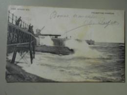 ANGLETERRE KENT FOLKESTONE HARBOUR ROUGH SEA - Folkestone