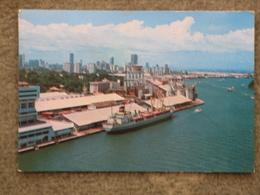 SINGAPORE HARBOUR - Cargos