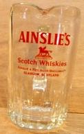 PICHET BROC EN VERRE AINSLIE'S SCOTCH WHISKIES AINSLIE & HEILBRON DISTILLERS LTD GLASGOW SCOTLAND - Carafes