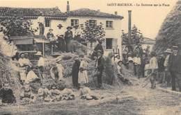 Saint-Maurice - La Batteuse Sur La Place - Cecodi N'892 - Agriculture