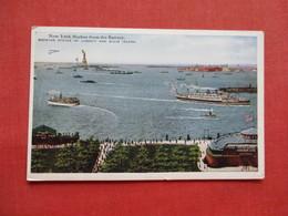 New York City > Harbor Showing Statue Of Liberty &  Ellis Island- Ref 3202 - Ellis Island