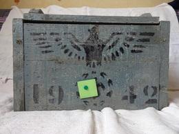CAISSE A MUNITIONS DE LA WEHRMACHT - 1942 - AIGLE ET CROIX GAMMEE . L = 41 CMS. L = 22 CMS. H = 24 CMS - Equipement