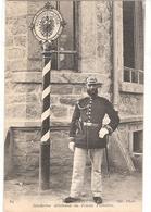 UN GENDARME ALLEMAND AU POTEAU FRONTIERE NON ECRIS - Guerre 1914-18