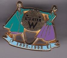 Pin's PIN UP WEILL SIGNE ARTHUS BERTRAND - Pin-ups