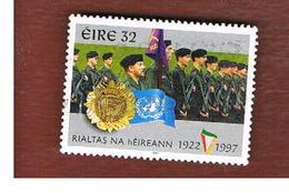 IRLANDA (IRELAND) - SG 1106  - 1997  75^ ANNIVERSARY OF IRIST FREE STATE: TROUPS  - USED - 1949-... Repubblica D'Irlanda