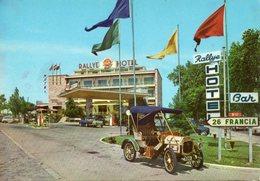 < Automobile Auto Voiture Car >> Tacot, Renault 4, Rallye Hotel Figueras - Voitures De Tourisme