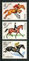 URSS  N° 4881/4883 ** Neufs MNH Superbes C 1 € Chevaux Horses élevage Sports équestres Hippisme Dressage - 1923-1991 URSS