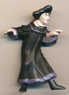 Figurine Nestlé (1996) : FROLLO, Notre-Dame De Paris, Disney - Disney