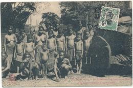 COCHINCHINE, Ethnique - Membres D'un Campement Moï , Seins Nus - Viêt-Nam