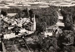 SAINT JULIEN L'ARS  -  L'Eglise Et Le Château   -  CPM Dentelée .Carte Rare - France