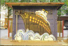 LYON 69004 RHONE CROIX-ROUSSE STREET ART MUR PEINT PISSOTIÈRE VESPASIENNE DÉCORÉE  BATEAU NAVIRE - Lyon