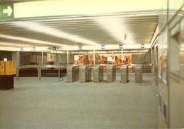 Belgique - Bruxelles - Le Métro - Ligne 1 - Station De Brouckère - Mezzanine - Ministère Des Communications Nº 5 - 6145 - Transport Urbain Souterrain