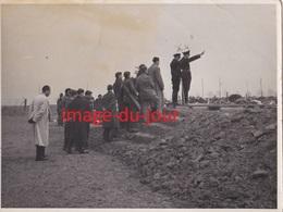 Photo Ancienne  DORTMUND CAMP DE PRISONNIERS LAGERFUHER Avril 1943 Guerre 1939 1945 Stalag Oflag - Guerre, Militaire