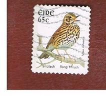 IRLANDA (IRELAND) - SG 1482b  -   2004    BIRDS:   TURDUS PHILOMELOS   - USED - 1949-... Repubblica D'Irlanda
