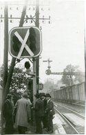 MONTGERON - LES INGENIEURS ASSISTENT Aux ESSAIS DES NOUVEAUX SIGNAUX De VILLENEUVE à COMBES La VILLE En 1935 - Trains