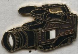 Pin's Caméra Photographie Film JVC (1) - Fotografie