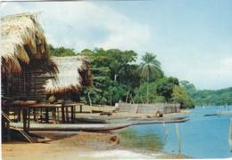 LIBERIA   : Habitation Sur La Plage . Carte Editions Porcelaines Le Tallec . - Liberia