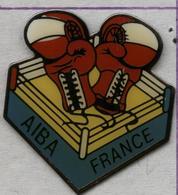 Pin's Association Internationale De Boxe Amateur AIBA France Boxing - Boxe