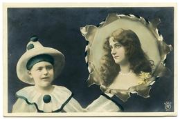 PIERROT WITH TAMBORINE - PRETTY GIRL PORTRAIT / POSTMARK - GLASGOW / ADDRESS - DENNY, HAWTHORN VILLA (HAND COLOURED) - Entertainers