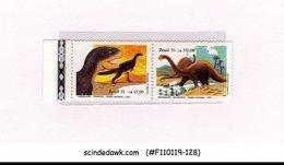 BRAZIL - 1991 DINOSAURS / PREHISTORIC ANIMALS - SE-TENANT 2V MNH - Brasilien