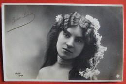 Jane LORIA Artiste Femme Photo WALERY - Artistes
