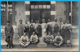 CPA CARTE-PHOTO 88 REMIREMONT Vosges - Caserne - Groupe De Militaires - Les Cuisiniers ** MILITARIA - Remiremont