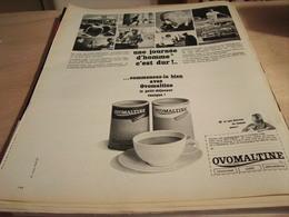 ANCIENNE  PUBLICITE UNE JOURNEE D HOMME C EST DUR OVOMALTINE 1965 - Affiches