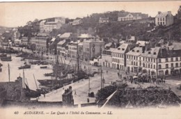 29 - Finistere - AUDIERNE - Les Quais A L Hotel Du Commerce ( Note D Hotel Au Dos ) - Audierne
