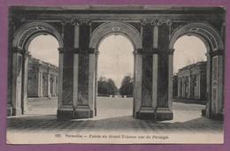 Versailles - Entrée Du Grand Trianon Vue Du Péristyle - Versailles (Château)