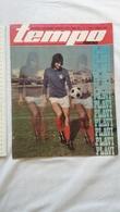 1974 TEMPO YUGOSLAVIA SERBIA SPORT FOOTBALL MAGAZINE NEWSPAPERS Eusébio Da Silva Ferreira PORTUGAL PELE DRAGAN DZAJIC - Deportes